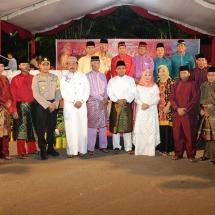 Foto bersama Gubernur Kepri Nurdin Basirun dengan Wali Kota Tanjungpinang Lis Darmansyah bersama FKPD