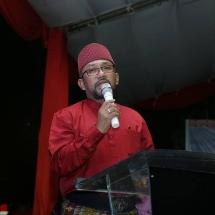 Wali Kota Tanjungpinang Lis Darmansyah menyampaikan sambutan saat melepas pawai takbir Idul Adha