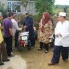 Serahkan Bantuan, Nurdin Sambangi Petani Bintan