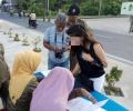 Berpakaian Seksi di Jalanan, Wanita Ini Ditertibkan Satpol PP