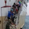 Kapal Bukit Raya Kandas Nabrak Karang, Ratusan Penumpang Dievakuasi