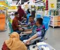 Rayakan HUT Ke-15, Tagana Kepri Donor Darah di TCC Mall