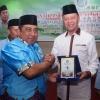 Syahrul dan Rudi Terima Penghargaan sebagai Tokoh Peduli Remaja Masjid