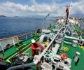 Gelombang Laut Tinggi, BBM di Natuna Sempat Alami Kelangkaan