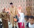 Seragam Gratis Dibagikan, Wako Syahrul Tunaikan Janjinya ke Orang Tua Murid