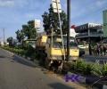 Sopir Lori Mengaku Masih Beruntung Menabrak Tiang Lampu Jalan