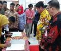 Ribuan Guru Teken PK Di Hadapan Isdianto