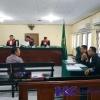 Dimarahi Hakim, Saksi Albert Keringatan: Maaf Pak Agak Tak Nyambung