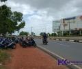 Hindari Bayar Mahal di Mal TCC, Motor Karyawan Malah Parkir di Bahu Jalan