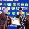 Syahrul Terima Penghargaan Sekalian Bonus 200 Unit Timbangan