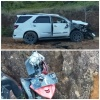 Mobil dan Motor Remuk saat Tabrakan, Kondisi Pengendara Selamat
