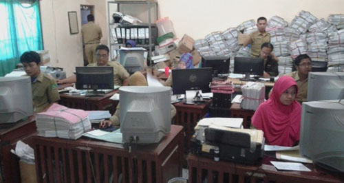 Pengajuan Alas Hak Menumpuk di Kantor Desa