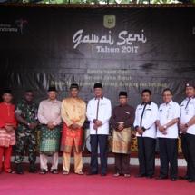 Foto bersama Wakil Wali Kota Tanjungpinang H Syahrul SPd beserta Plt Kadisparbud Kota Tanjungpinang Raja Kholidin S Sos beserta jajaran kepala OPD dan FKPD Tanjungpinang.