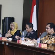Ketua Pansus LKPj Dewi Kumalasari Ansar sampaikan pemparan