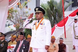 Penghormatan oleh Wali Kota Tanjungpinang Lis Drmansyaha