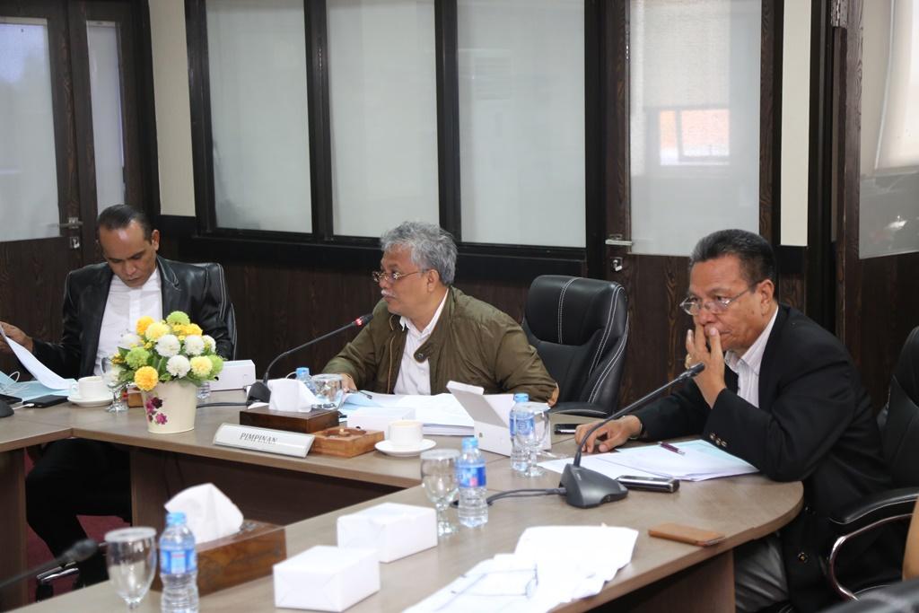 Empat Komisi Gelar Rapat Mitra Bahas Nota Keuangan