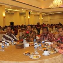 Sekdako Tanjungpinang Riono bersama pejabat lainnya.