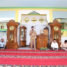 Suasana di masjid rutan Klas 1 Tanjungpinang saat pesantren Ramadan