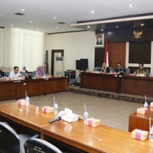 Suasana rapat kunjungan kerja di Banten.