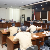 Terlihat pejabat Banten turut serta mengikuti rapat kunker di Banten.