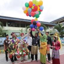 Wako H Lis Darmansyah melepas balon di peringatan Hari Air Sedunia (World Water Day) tahun 2017