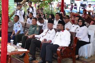Wali Kota Tanjungpinang Lis Darmansyah bersama Wakilnya H Syahrul