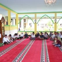 Warga binaan serius mendengarkan tausiah Ramadan dari H Syahrul