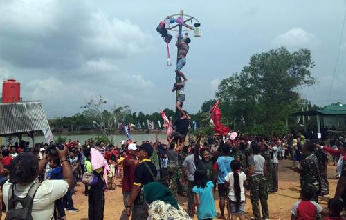 Pesta Rakyat Ala Korem 033/WP