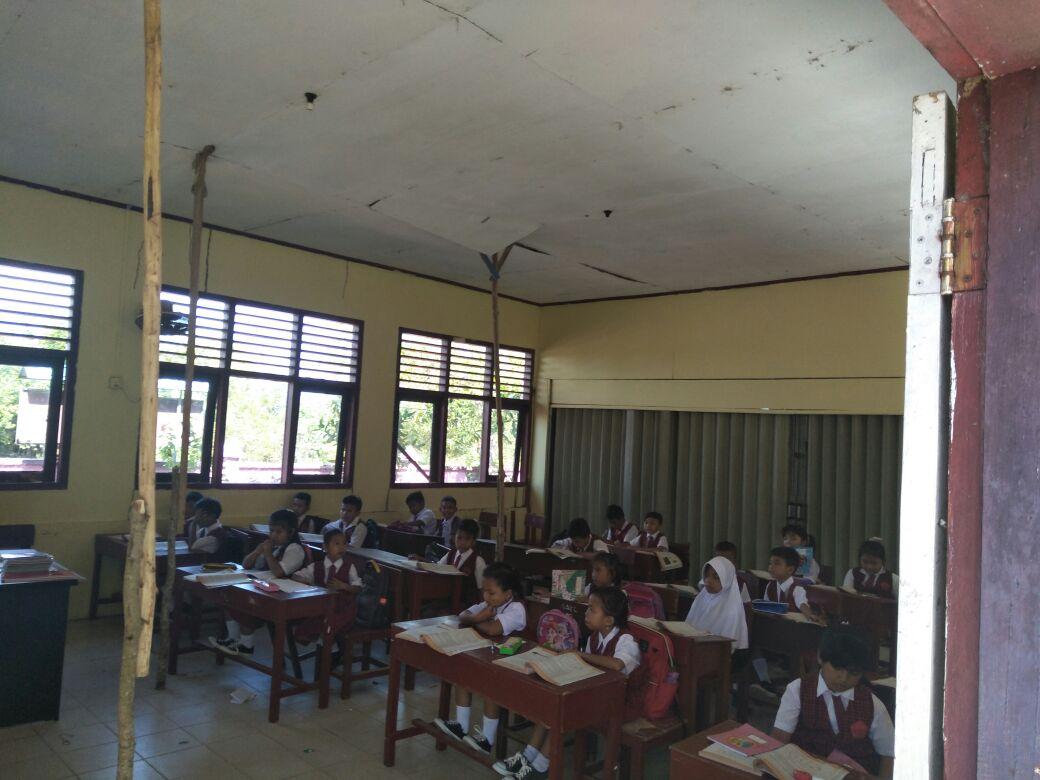 26 Siswa SD Kampung Bugis Bertaruh Nyawa saat Belajar di Sekolah