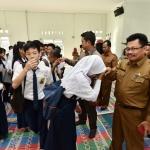 Para pelajar Bintan saat bersama bupati (4)