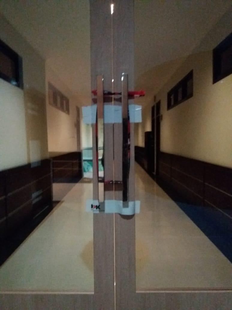 Terjaring OTT, Ruang Kerja Nurdin di Dompak & Gedung Daerah Disegel KPK