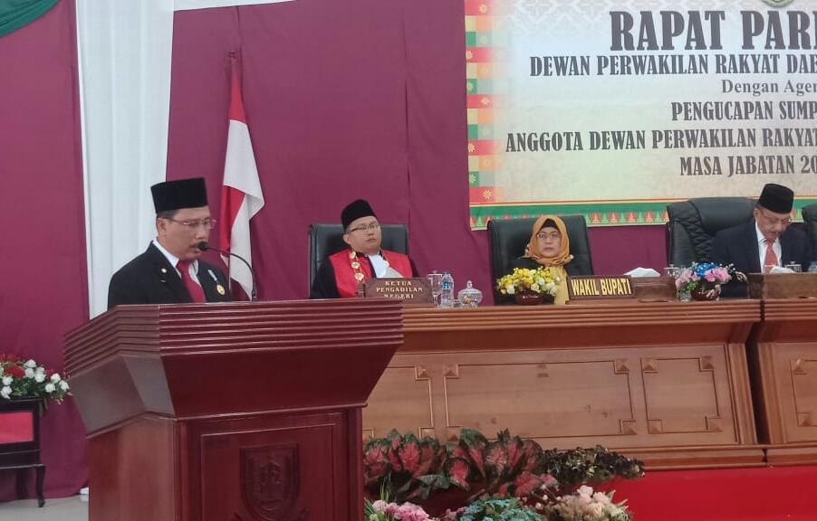 Ketua DPRD Natuna Tak Pernah Hadir Sejak Gagal Nyaleg, Pelantikan Dipimpin Hadi