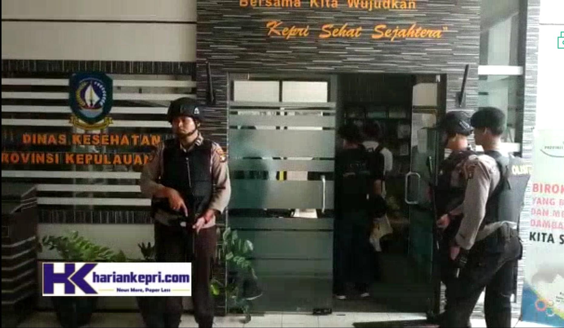 Kantor Dinkes Kepri Digeledah, Kadis: Gak Apa-apa, Mereka Gak Ganggu Kok