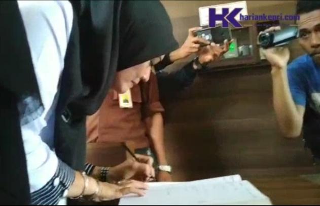 Video Kepala BPPRD Riany Tiba di Kejari untuk Diperiksa Kasus Pajak