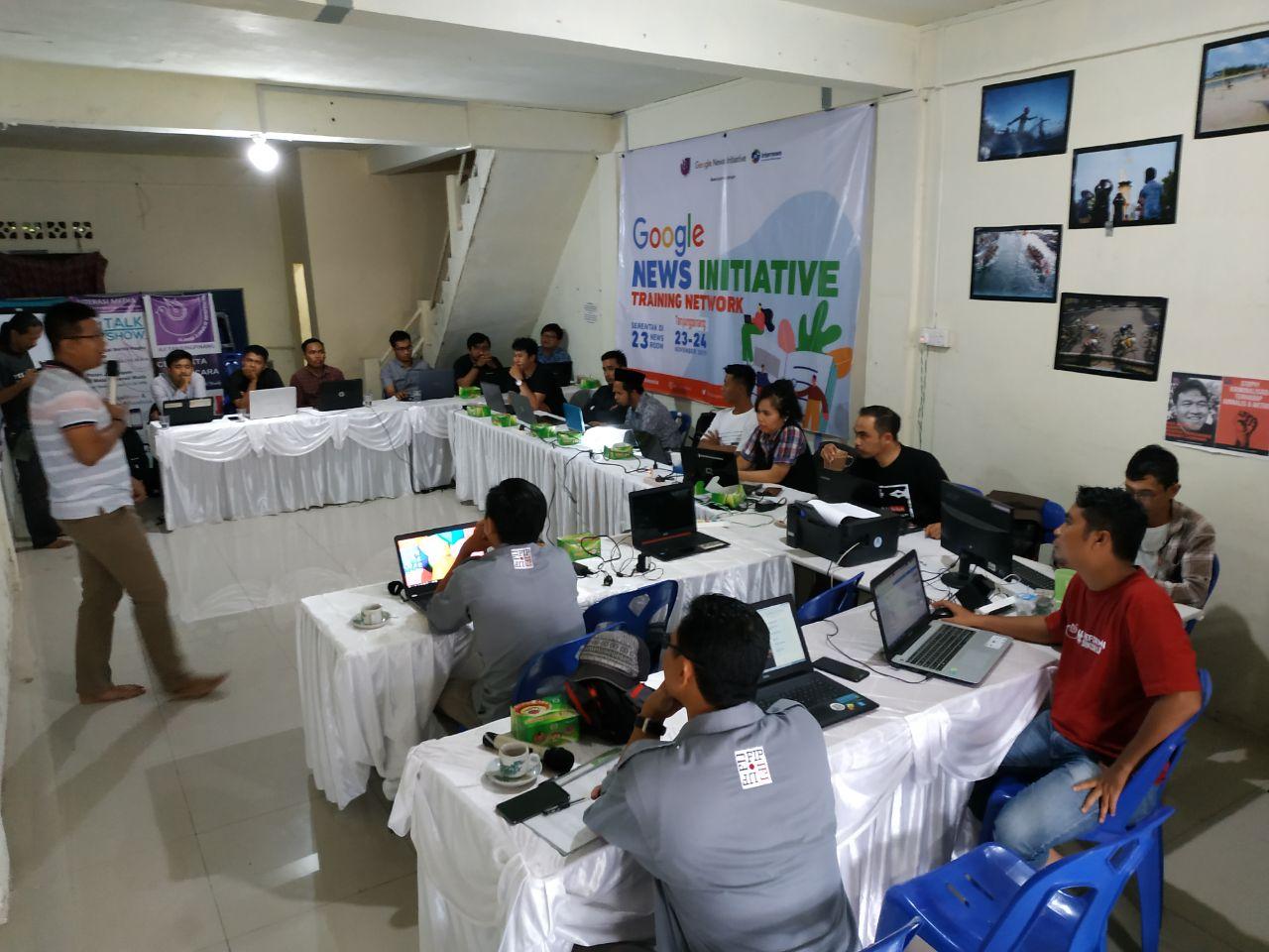Cek Fakta Berita di Medsos, AJI Latih Belasan Wartawan Tanjungpinang