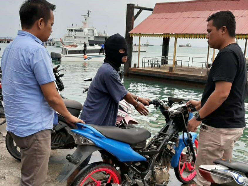 Curi Motor Satria, Anggota Polsek Bintan Utara Bekuk Pelaku di Taman Kota