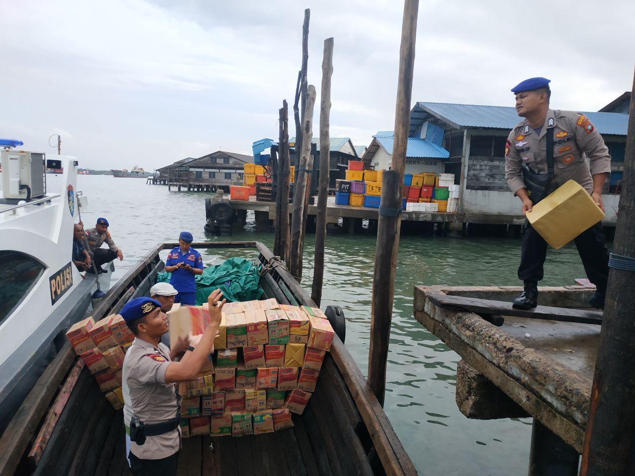 Polres Bintan Kirim Ratusan Paket Sembako dan Uang Tunai ke Korban Banjir