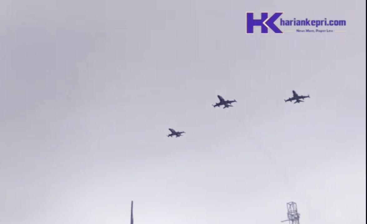 Peringati Hari Juang, Lanud Hang Nadim Kirim Tiga Jet Tempur, Simak Videonya!