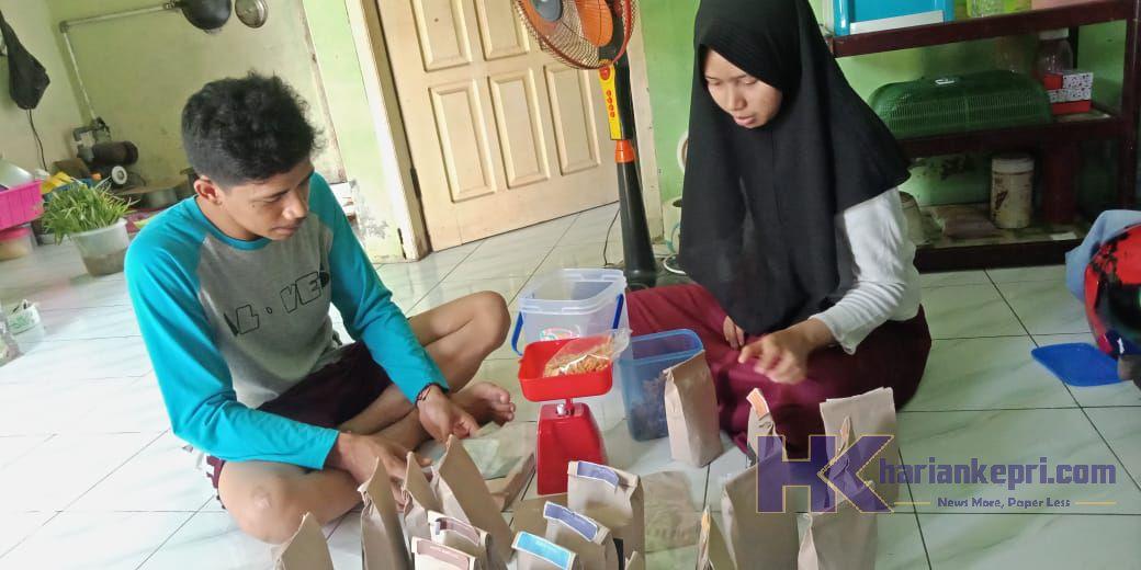 Patut Ditiru, 4 Anak Muda dari UMRAH Berhasil Ciptakan Kreasi yang Hasilkan Duit