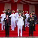 Foto bersama Ketua DPRD Kepri bersama Gubernur dan FKPD Kepri