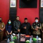 Foto bersama jajaran DPRD Tanjungpinang dengan Anggota DPRD Kepri Lis Darmansyah