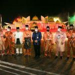 Gubernur Kepri, Isdianto foto bersama di depan Astaka MTQ Kepri