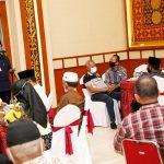 Gubernur Kepri, Isdianto saat dialog dengan RT RW se Kota Tanjungpinang