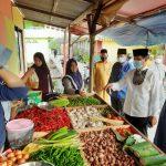 Gubernur Kepri, Isdianto saat mengunjungi pasar di Kampung Bugis