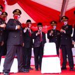 Ketua DPRD Kepri, Jumaga Nadeak dan Wakil Ketua II DPRD Kepri, Raden Hari Tjahyono bersama petinggi Polda Kepri