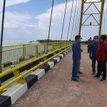Ketua Komisi III DPRD Kepri Widiastadi Nugroho saat berada di Jembatan Kuning Coastal Area