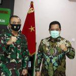Komandan Korem 033WP Brigjen TNI Harnoto foto bersama Pjs Gubernur Kepri, Bahtiar