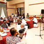 Para RT RW mendengarkan penyampaian Gubernur Kepri, Isdianto