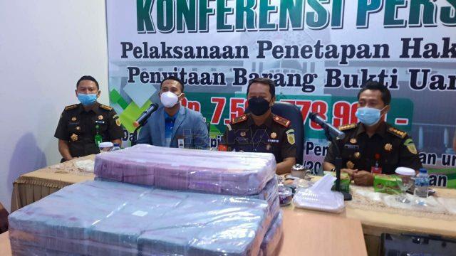 Pengusaha Kembalikan Uang Miliaran Rupiah dari Hasil ...